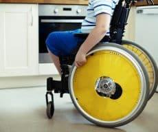 חברת הביטוח שילמה לקטין הסובל משיתוק מוחין והוריו פיצוי על סך של 175,000 ₪